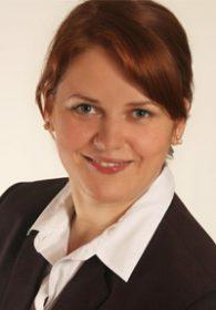 Lena Dubrovska, Steuerfachangestellte